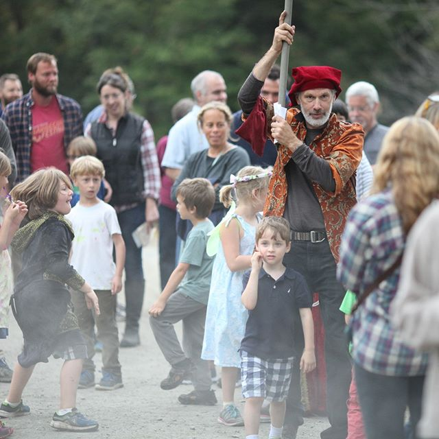 3 days until The Medieval Faire! . Our preschool teacher Ken Brautigam will once again lead our youngest Faire-goers on a scavenger hunt. Come join him! . . Link in bio⁣ . 🐲🏰 ⁣ . #putneyvt #discoverputney #tgsmedieval #thisisvt