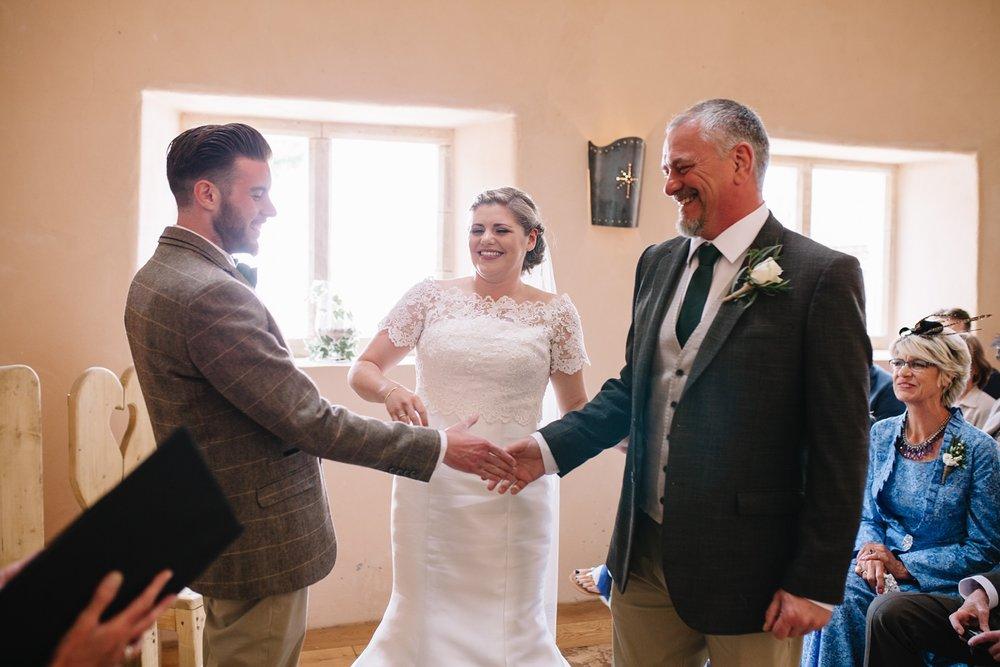 Oxleaze-Barn-Wedding-Photographer_0043.jpg