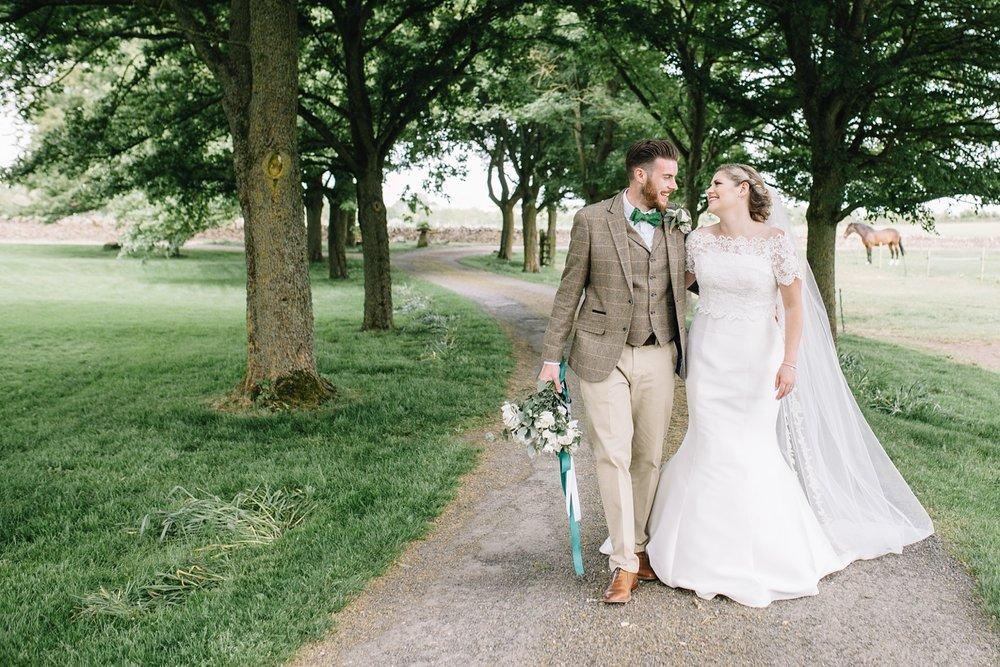 Oxleaze-Barn-Wedding-Photographer_0092.jpg