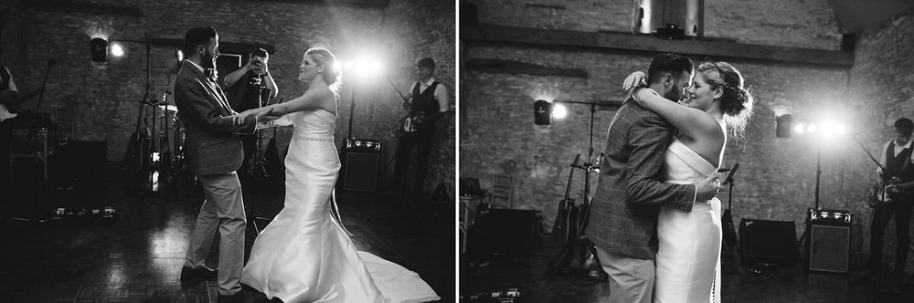 Oxleaze-Barn-Wedding-Photographer_0148.jpg