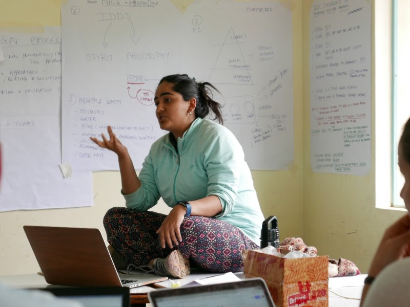 Photo: Mansi Kakkar, our Curriculum Co-Lead from the Stanford Pre-Collegiate Studies, as she shares her knowledge on the design process.