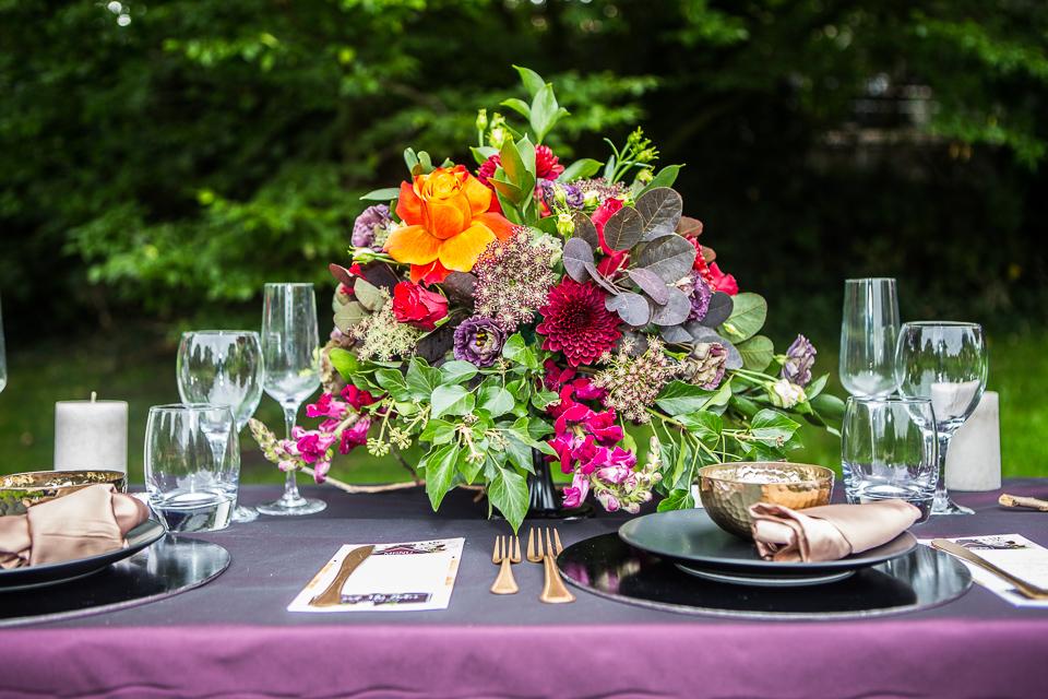 Centrepiece flowers Jewel tones