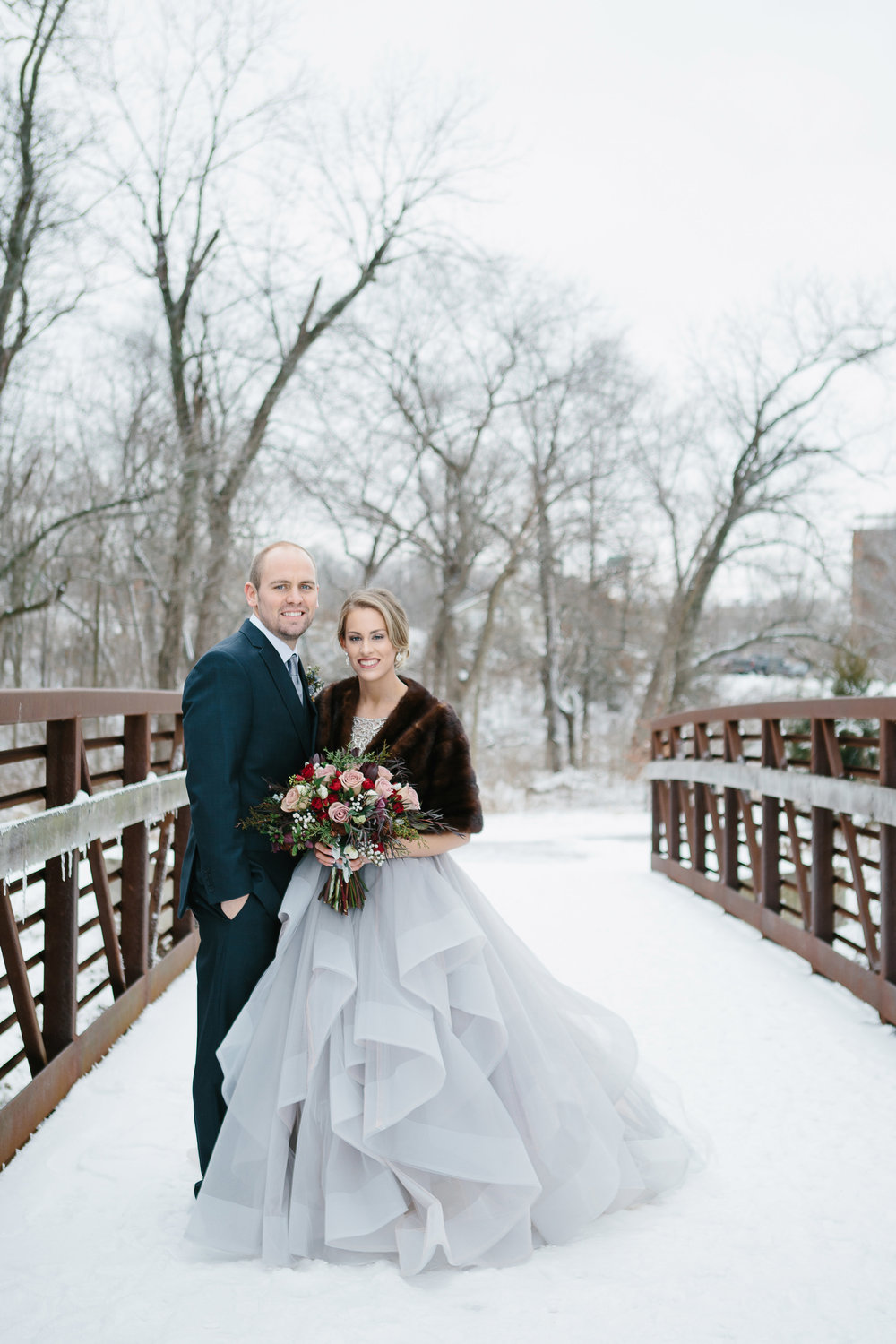Sarah + Shane | December Wedding, Ironwoods Lodge, Overland Park, Kansas