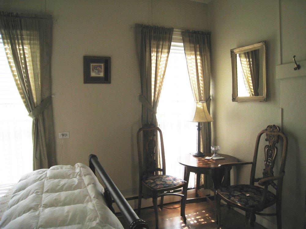 Guest Room_2.JPG