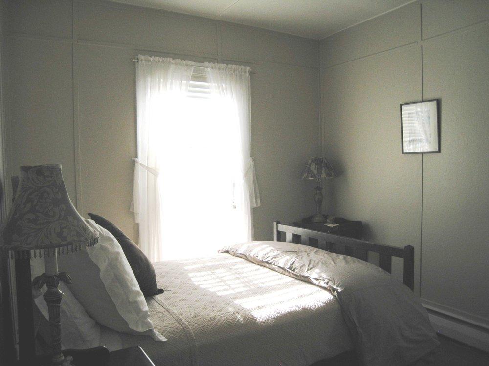 Guest Room_3.JPG