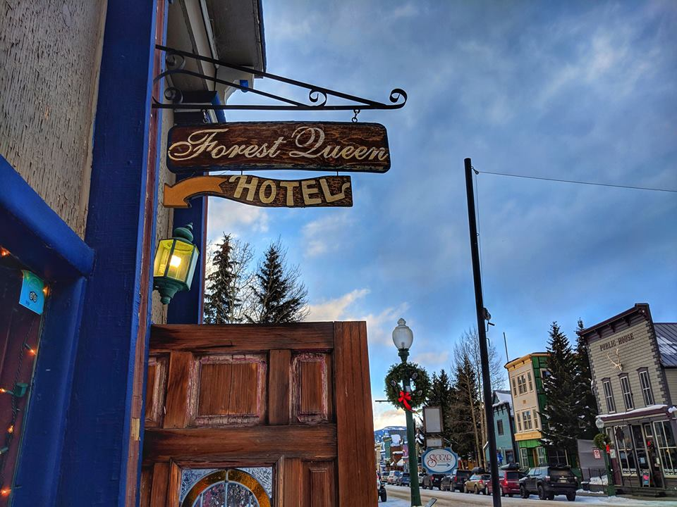 Forest Queen Hotel & Coal Creek Grill
