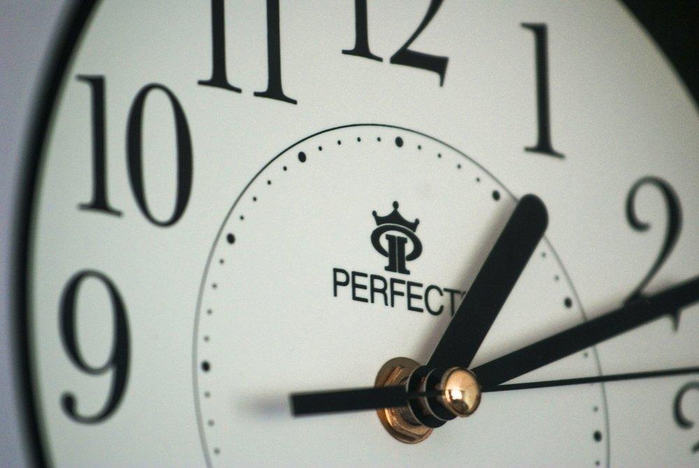 alarm-clock-business-clock-280377.jpg