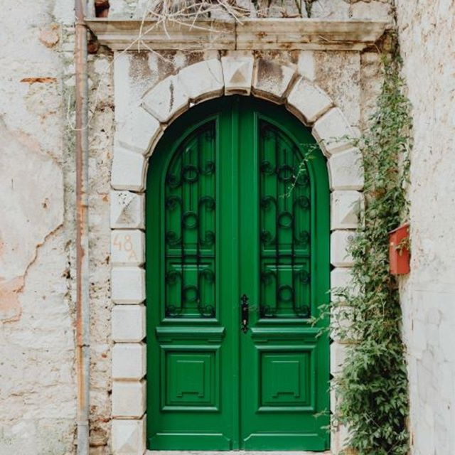 When selecting colors for your home ...consider how the  color makes you feel. #feelinggreen #downtoearth #newbeginnings #growth #renewal #nature #onlinedesign #edesign #housegoals #mybhg #homeinspo #greendoor #green #designtosell #realtor #howyouhome  #homegoods #designer #edesign #homewedwell #currenthomeview #hgtvdreamhome #getinspired #natureinspired #ilovemyhome #happymonday