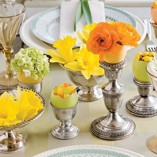 Get #inspired with  Easter  Table Decorations  from #southernliving . Full of #color and #spring - #happyeaster #easterdecor  #colorsofspring #tabledecor #easterbunny #springisintheair #familytime #creativedesign #flowers #eastereggs #njmom #njdesigner #designer #ilovemyhome #homedecor #homegoals #homegoodsfinds #designonadime #floridadesign #beachhouse #diningroom #goodfriday #happyweekend