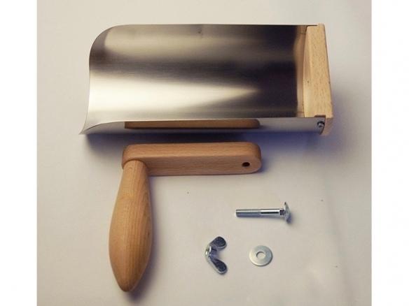 gutter-cleaning-shovel-redecker-handle-584x438.jpg
