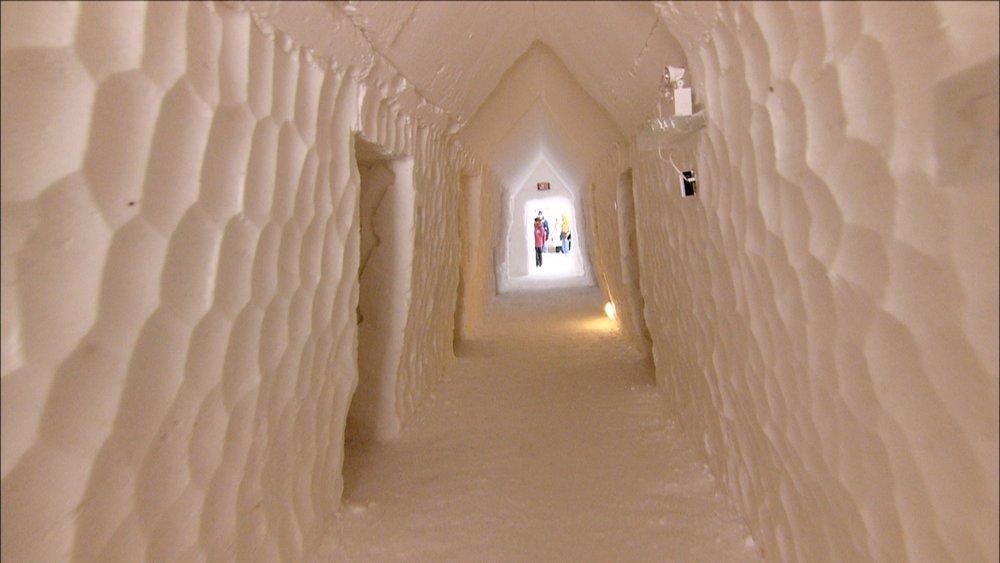 FFOTW_104_ice hotel hallway.jpg