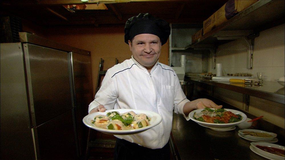 FFOTW_202_chef holding plates.jpg