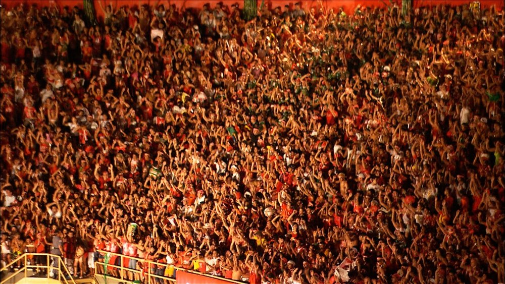FFOTW_208_red crowd.jpg