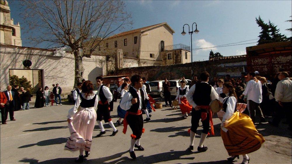 FFOTW_204_dancers.jpg