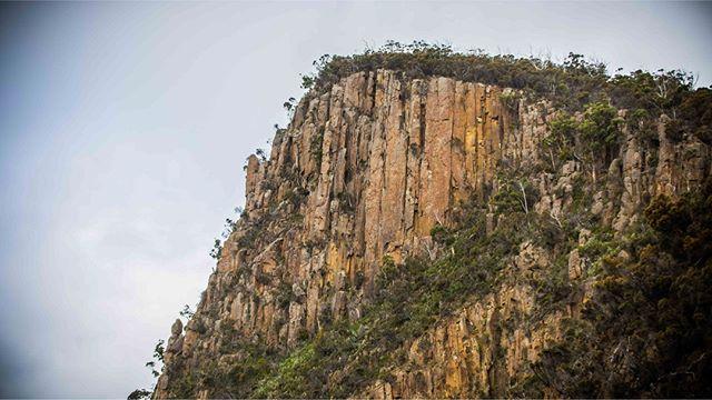 #geology #showusyourbruny #tasmania #brunyislandtas #tasmaniantourism #tasmaniangeology #discovertasmania #discoverbruny #landscape #landscapephotography