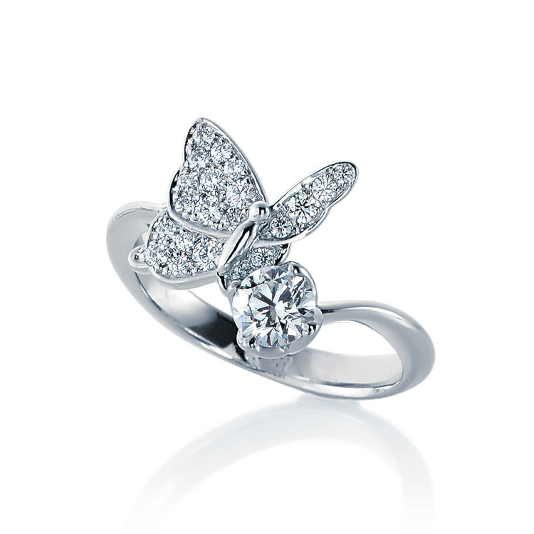 Papillon 15 婚約指輪