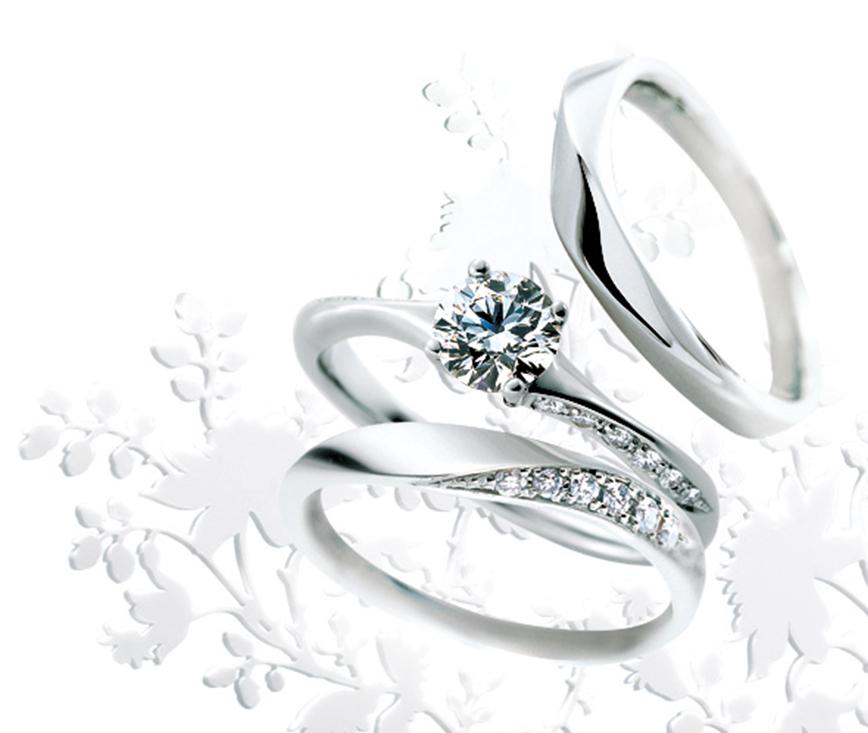 Cafe ring 人気No.1 - エレガントなカーブに沿うようにセッティングされたダイヤモンドは、360度どこから見てもキラキラと輝き、指を美しく見せてくれる。ほどよいボリューム感は、エンゲージリングとマリッジリングを重ねてつけた時にも軽やかでしなやかな印象に。時を超えて永く愛されているデザインです。