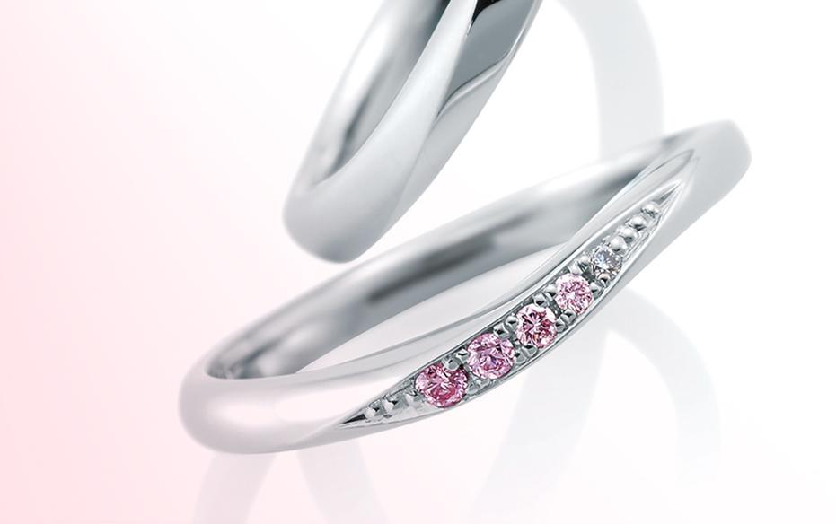 ピンクグラデーション - ほんのりとしたピンクダイヤモンドのグラデーションが美しい!愛らしく女性らしさがあふれるデザインは、一味違う結婚指輪(マリッジリング)をお探しの方にぴったり。