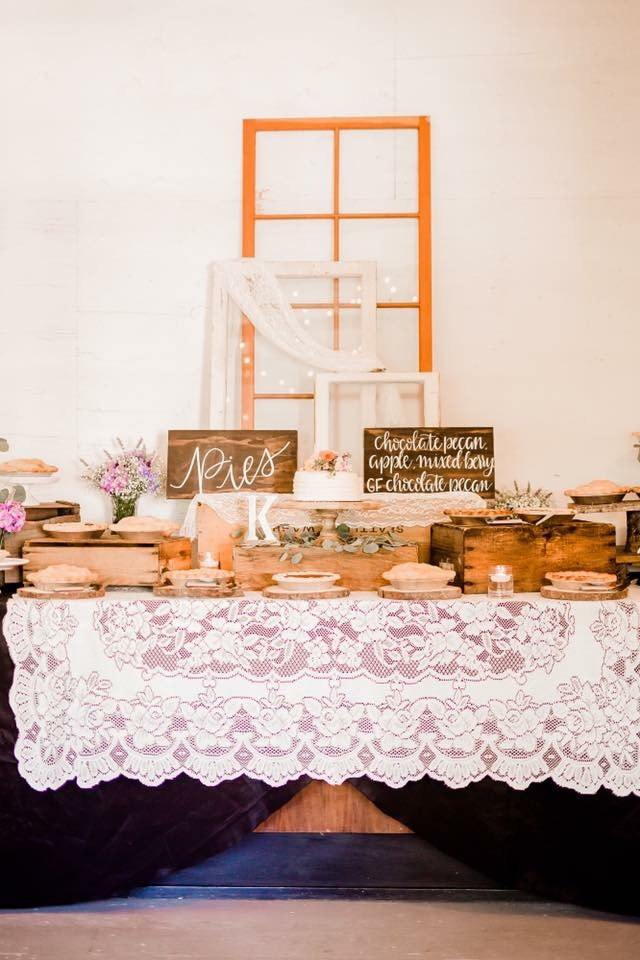 Wood dessert table sign