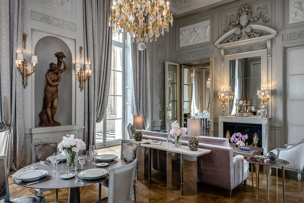 lobby-decor-fancy-home.jpeg