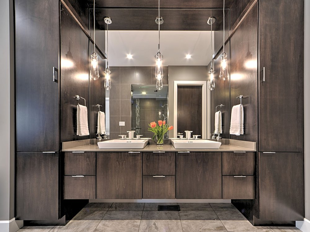 2016 1st PLACE IN BATH DESIGN   ASID Illinois chapter recognized Yamini Designs with its Excellence in Design Award by a small firm.   Learn more about the project.