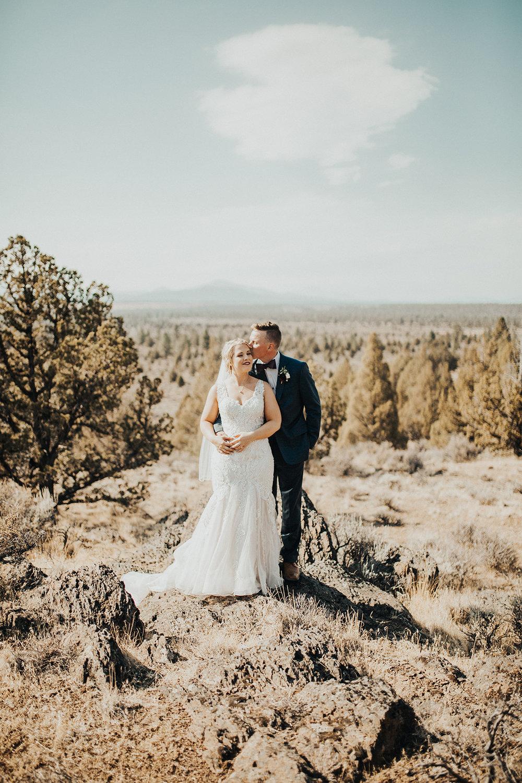 Bend Oregon Wedding at Broken Top Club   Ben & Makayla   Rosemary & Pine Photography