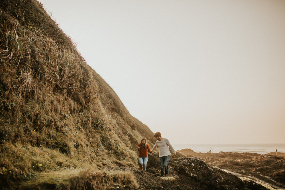 Oregon Coast Couples Session in Yachats Oregon | Rosemary & Pine Photography