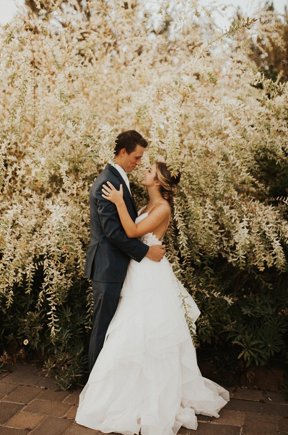 Rosemary & Pine Photography | Elegant + Intimate Styled Oregon Vineyard Wedding, Terrebonne Oregon