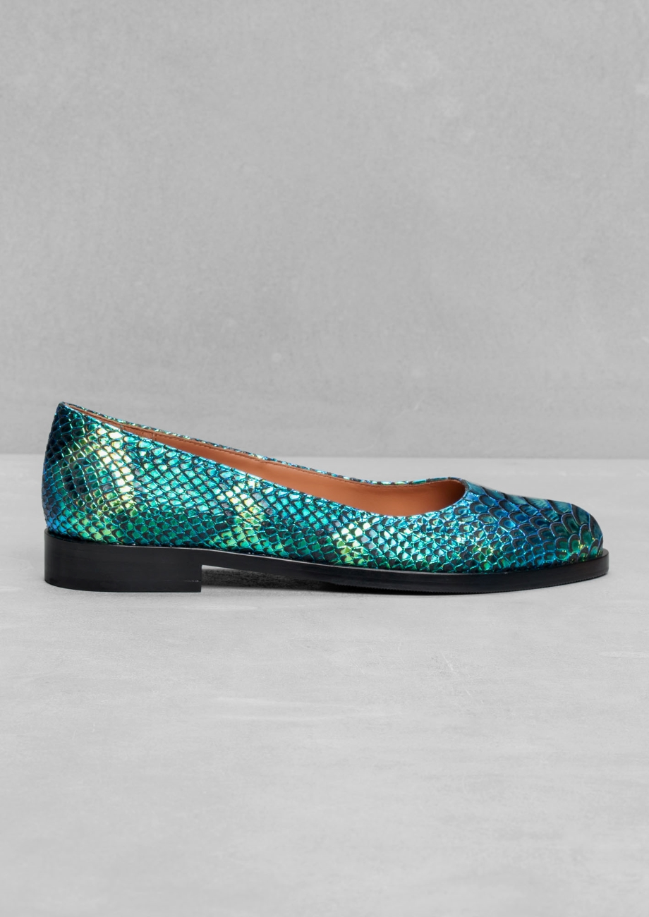 Oily Reptile Flats. & Other Stories. $120.