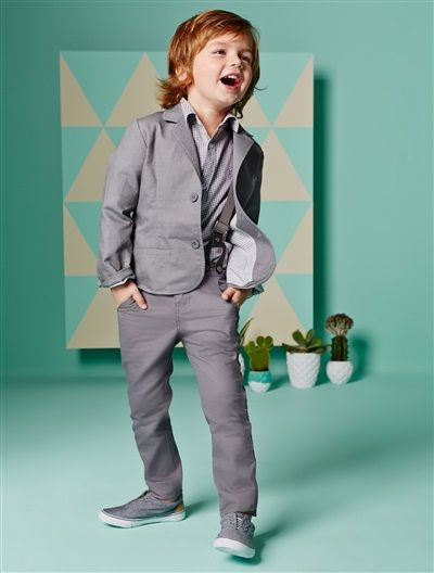 Boy's linen jacket. Vertbaudet. Now: $US 20. The rest of the pieces are available, too!