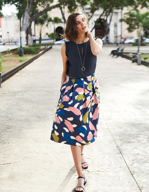 LOLA SKIRT. Available in multiple colors, prints. Boden. $125.