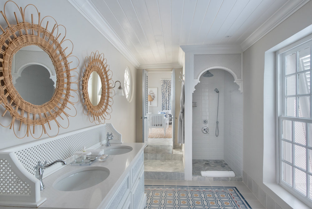 Camelot Bathroom2.jpg