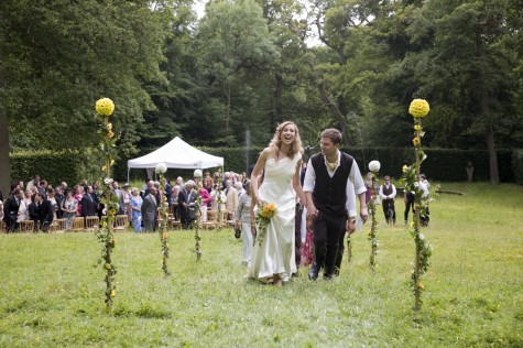 The couple exchanged rings in an outdoor blessing