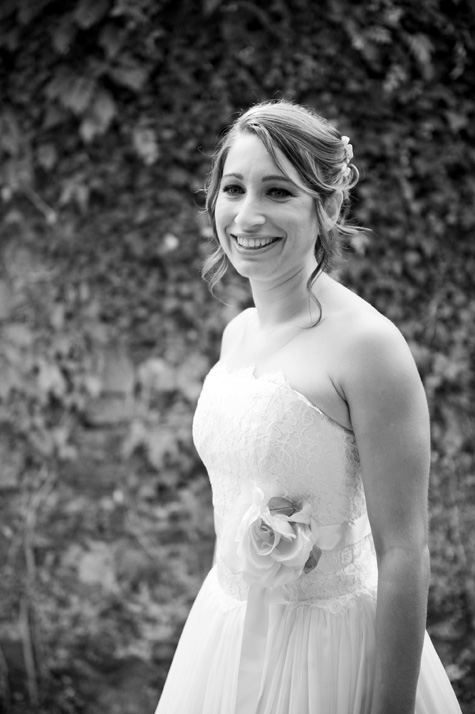 The bride before leaving for Lucca and the wedding ceremony - photo by Pearl Pictures