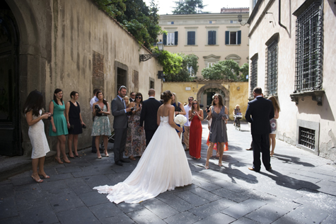 Wedding guests in the streets of Lucca, Italy - photo by Pearl Pictures