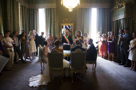 The marriage ceremony, Lucca registry office, Italy - photo by Pearl Pictures