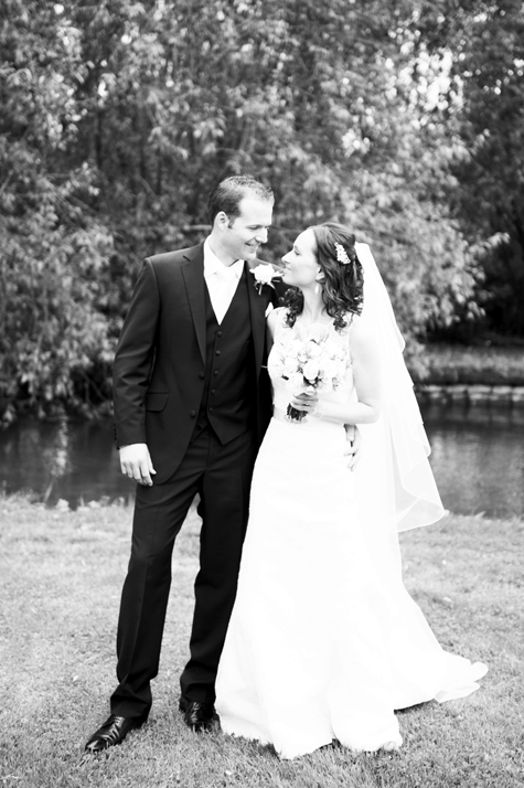 Wedding at Notley Abbey, photography by Pearl Pictures