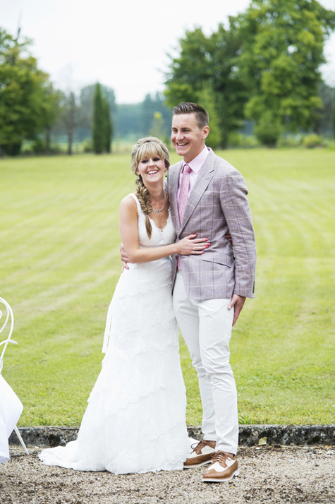 Bride and groom in the grounds of Chateau Boubet