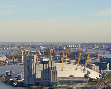 view from Canary Wharf roof_resize.jpg