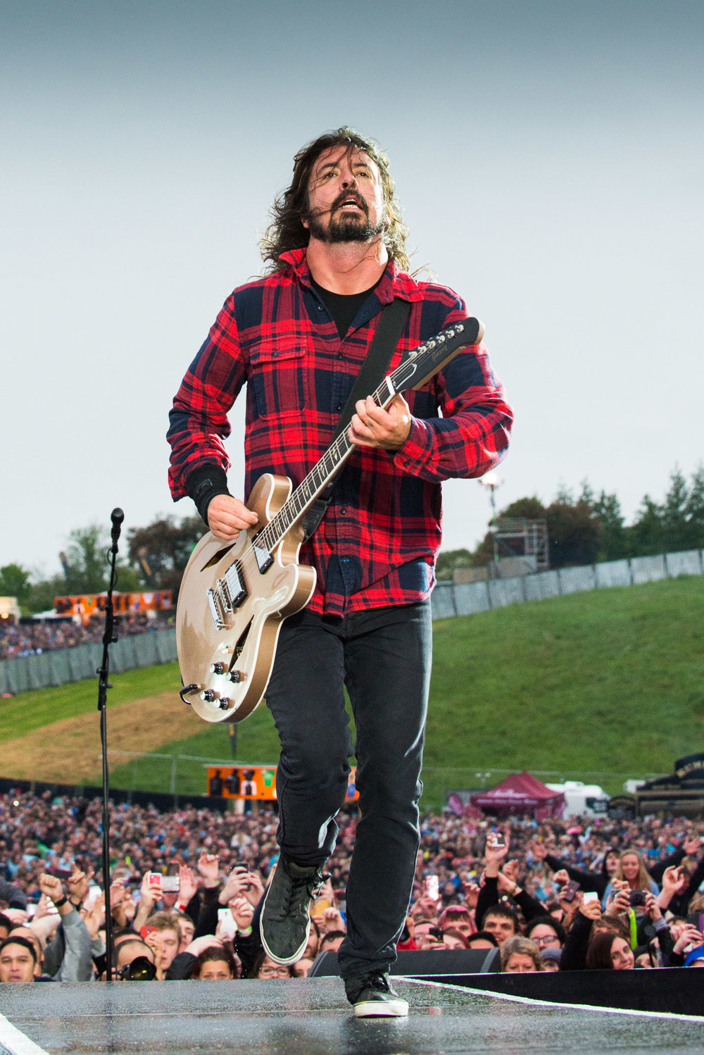 FOO FIGHTERS-2.JPG