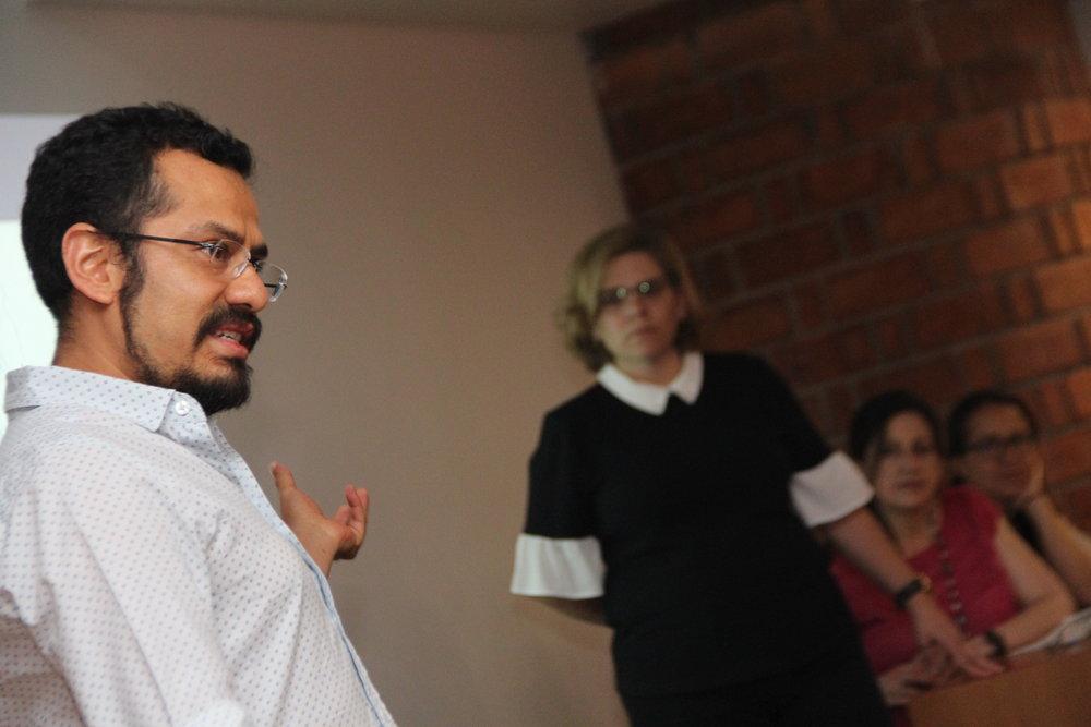 Miembros de la cátedra en presentación de avances   Foto: Pedro Rendón
