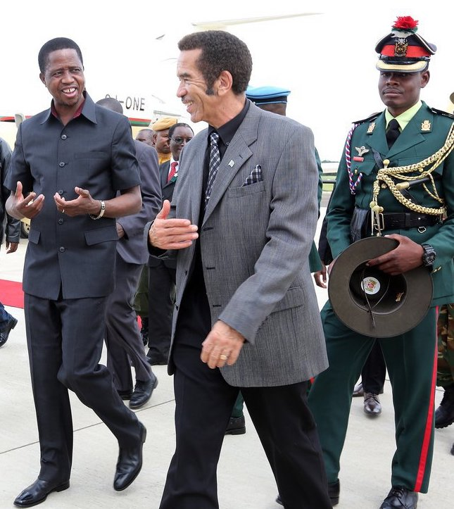 President-Edgar-Lungu-with-Botswana-President-Gen-Dr-Ian-Khama-at-Kasana-international-airport-in-Botswana-on-Monday-4756.jpg
