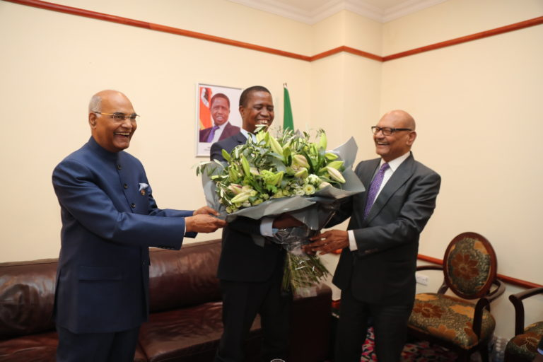 Vedanta-Resources-Plc-Chairman-Mr-Agarwal-presents-a-bouquet-to-Zambian-President-Edgar-Lungu-at-the-Zambia-India-Business-Forum-in-Lusaka.-Lo-004-768x512.jpg