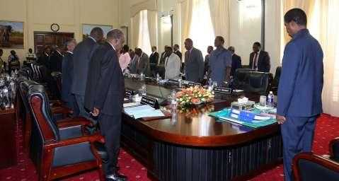 His-Excellency-Mr-Edgar-C.-Lungu-President-of-the-Republic-of-Zambia-chairing-Cabinet-Meeting-at-State-House-in-Lusaka-Zambia-on-Monday-16-March-2015.-PHOTOS-EDDIE-MWANALEZA-2.jpg