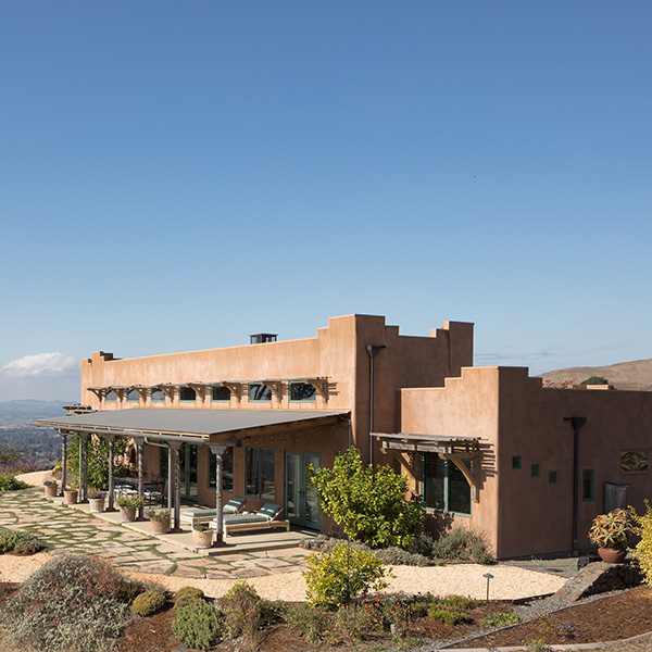 Southwestern Courtyard Residence, Petaluma, CA