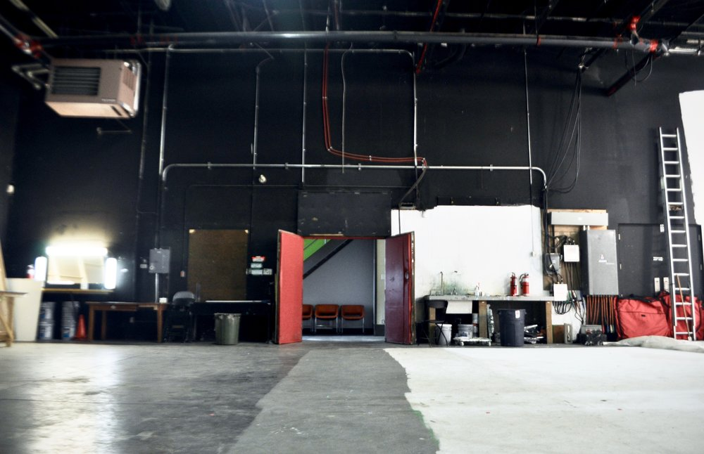 entrée Studio Rouge.jpg