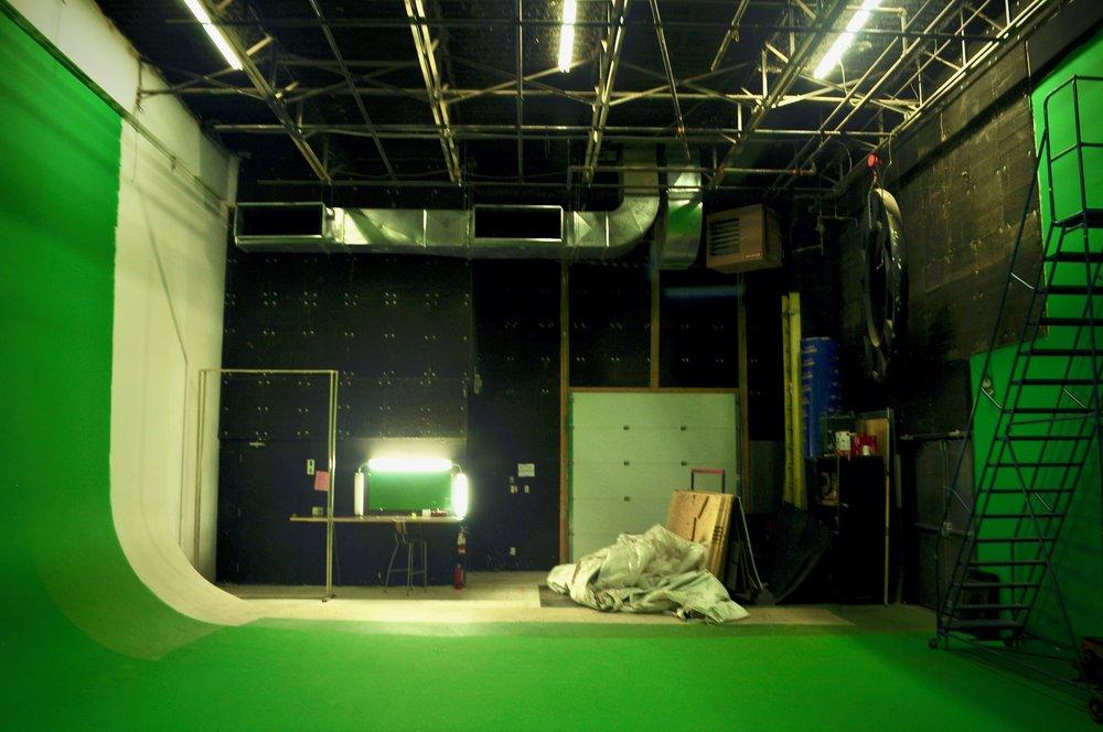 centre vers arriàre Centre - Studio Bleu.jpg