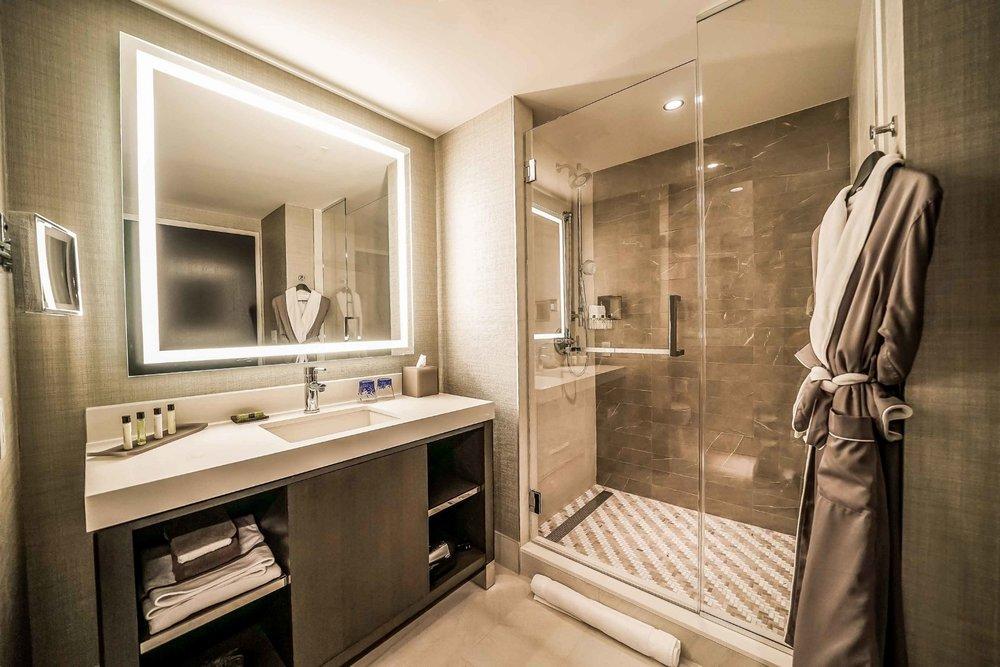 Parker-Torres-InterContinental-The-Wharf-Guestroom-Bathroom.jpg