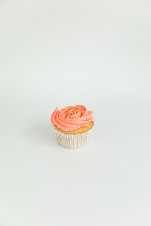 Vanilla cupcake with vanilla buttercream
