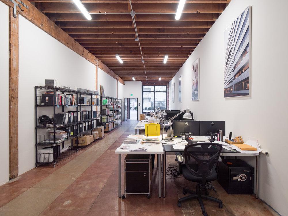 ....Los Angeles Office..ロサンゼルス事務所....